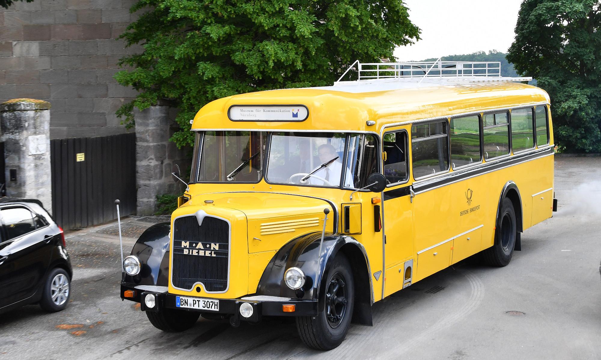 Der historische Kraftpostbus von 1956