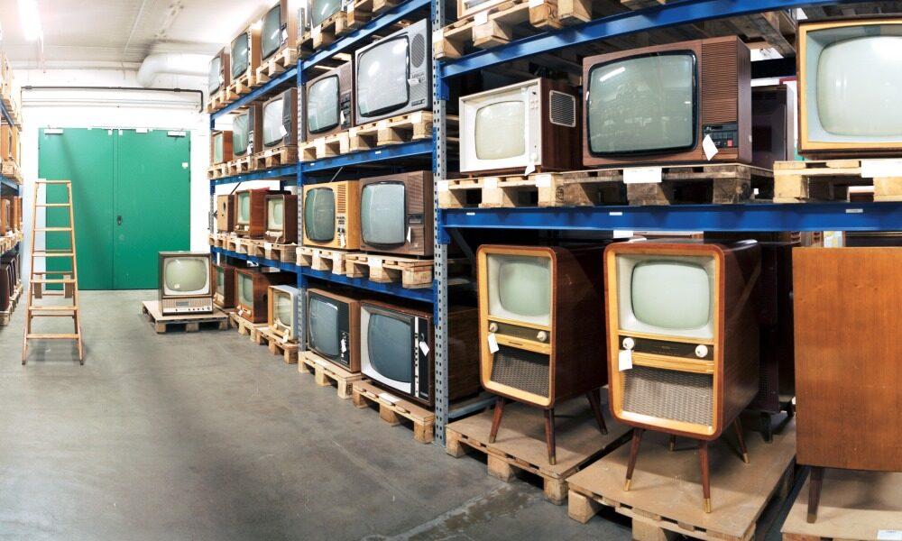 Fernseher im Depot der Sammlung der Museumsstiftung Post und Telekommunikation