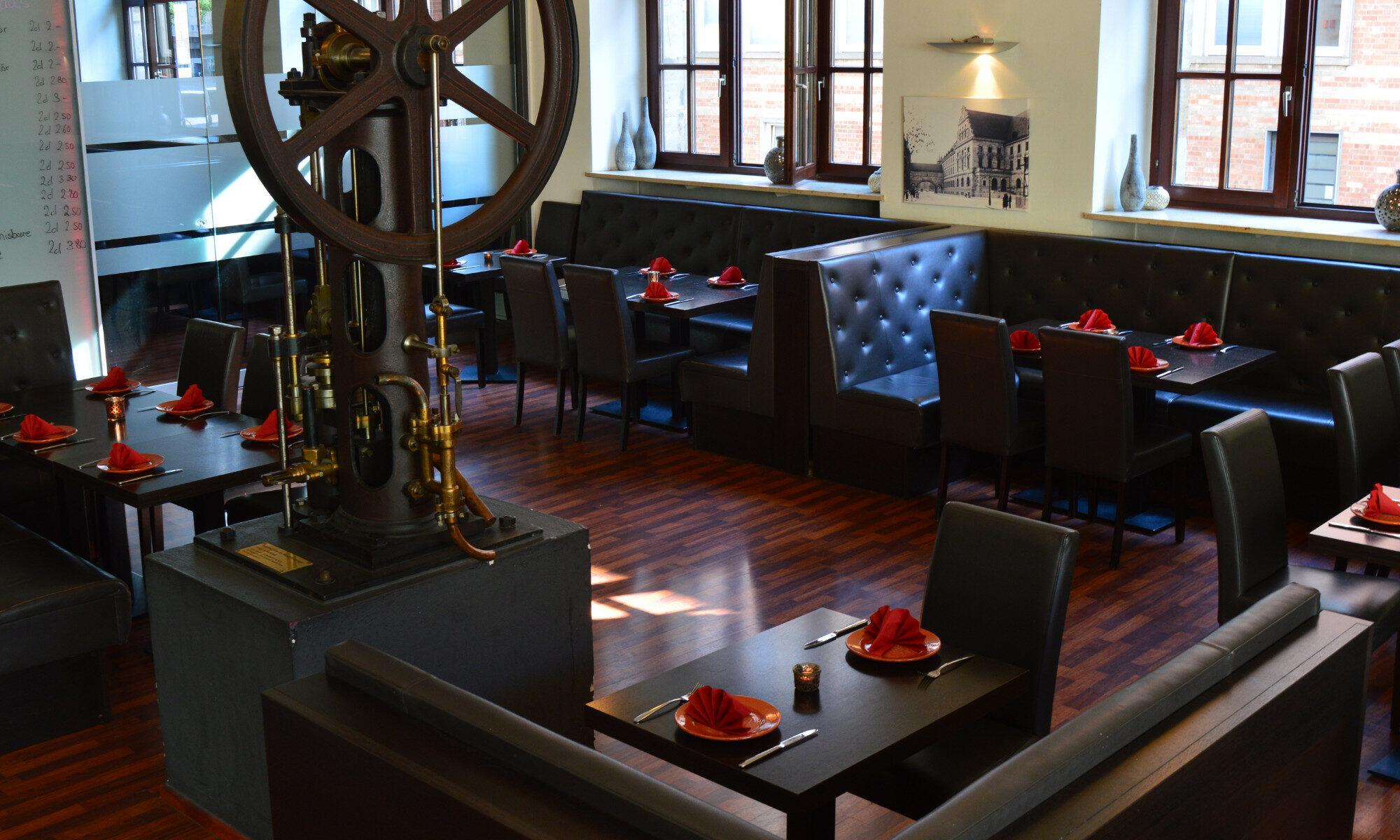 Blick ins Museumsrestaurant Tinto - vino y tapas im Museum für Kommunikation Nürnberg